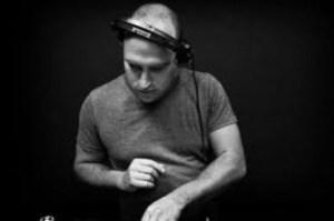 Nuno Estevez - You There (Original Mix) Ft. Jade Cosmos